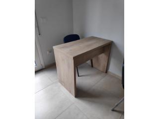 Tavolina per zyre ose per qender kursesh me dru italian