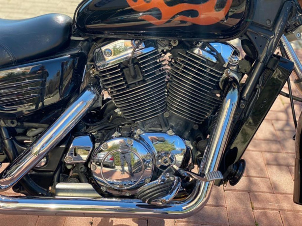 honda-shadow-1100cc-big-2