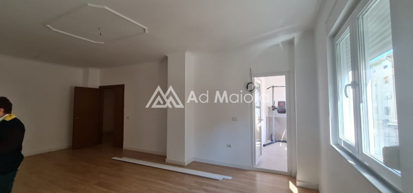 shitet-apartament-312-ne-durres-big-1
