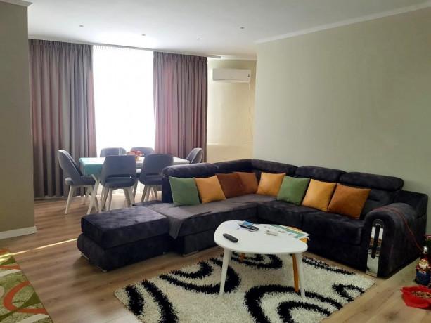 shitet-apartament-21-mbrapa-shk-bajram-curriplazhdurres-big-3