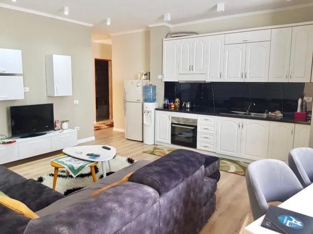 shitet-apartament-21-mbrapa-shk-bajram-curriplazhdurres-big-0